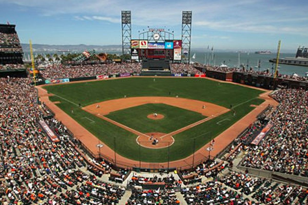 Monday Night Baseball: Chicago Cubs at San Francisco Giants