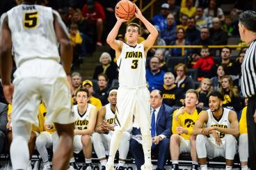 NCAA Basketball Betting Preview: Indiana Hoosiers at Iowa Hawkeyes