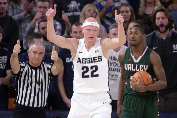 NCAA Tournament First Round Betting Pick: Utah State Aggies vs. Washington Huskies