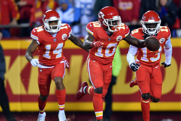 Chiefs Will Return Top Five Receivers After Watkins Deal Reworked