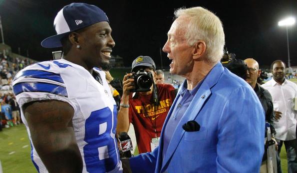 Jones Considering Bryant Return As Cowboys Face Vital Free Agency