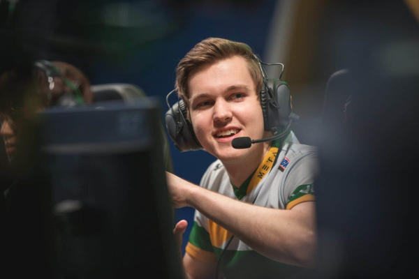 FlyQuest Meets OpTic Gaming On Last Day of LCS Summer Week 2