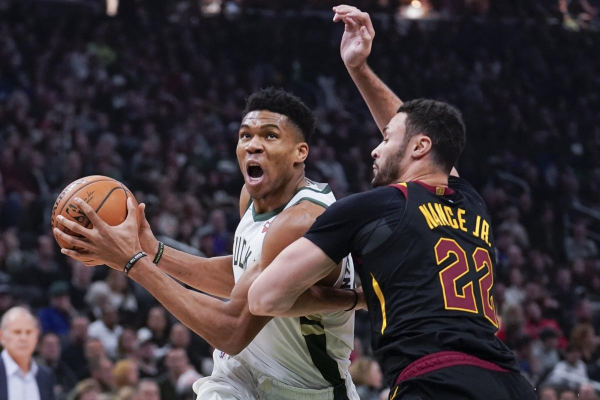 NBA Betting Preview: Los Angeles Lakers at Milwaukee Bucks