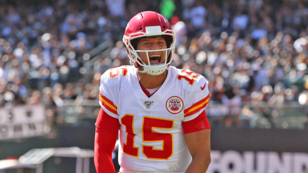NFL News and Notes: Mahomes Inks Record Deal