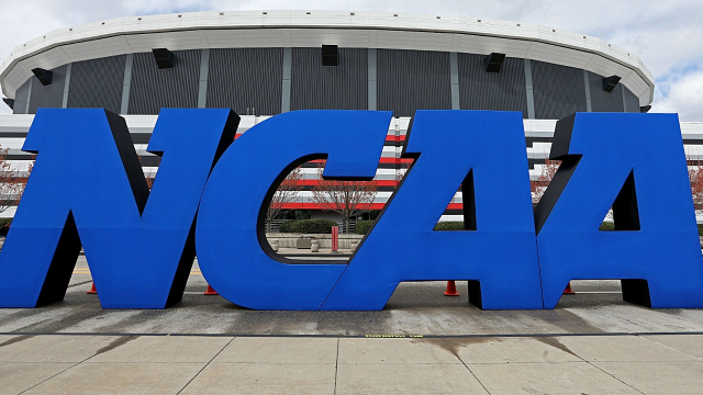 NCAA's Top Governing Body In Favor Of Player Endorsement Plan