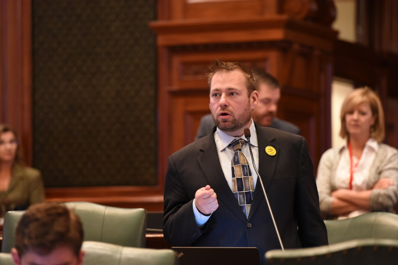 Differing Opinions On Sports Betting Launch In Illinois?