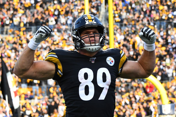Steelers Climb Back To .500 With Thrilling Win